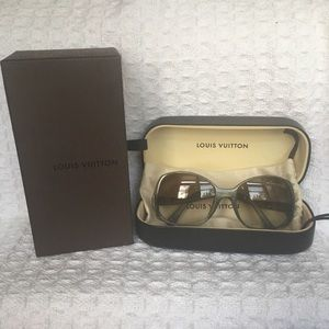 Louis Vuitton Gina Sunglasses - EUC